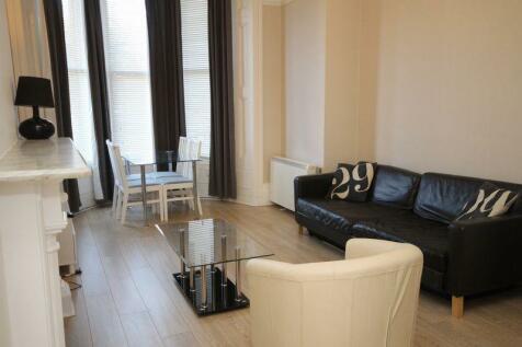 Hall Floor Flat, Clifton Park Road, Bristol. 1 bedroom flat