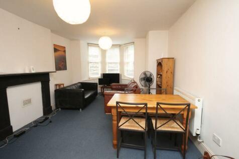 Garden Flat, Clifton Park Road, Bristol. 2 bedroom flat