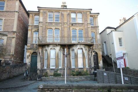 Garden Flat Clifton Park Road, Bristol. 2 bedroom flat