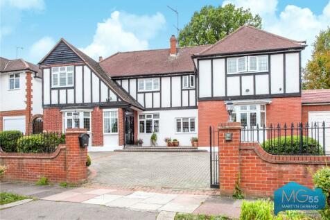 Parkway, Southgate, London, N14. 6 bedroom detached house for sale