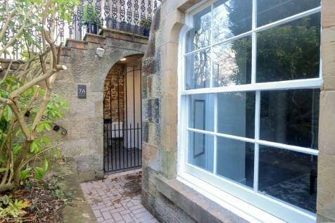 7A, Park Terrace, Stirling, FK8 2JT. 2 bedroom flat for sale