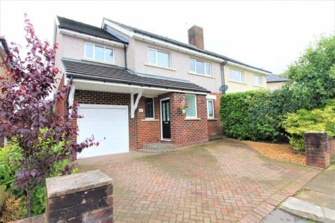Stretton Road Holcombe Brook Bury BL0 9SX. 4 bedroom semi-detached house