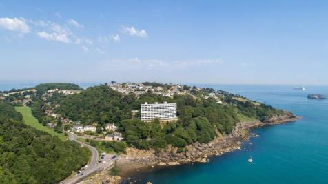 Ilsham Marine Drive, Torquay. 4 bedroom apartment for sale