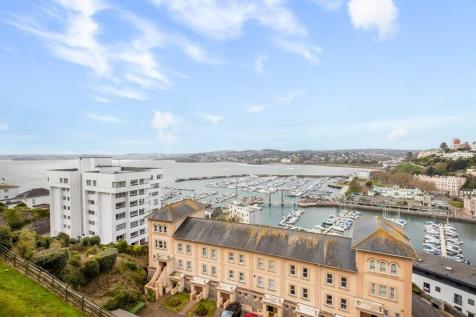 Torquay Harbourside. 3 bedroom apartment for sale
