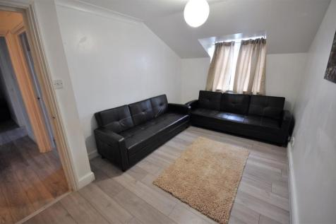 Gladesmere Court, Watford. 2 bedroom apartment
