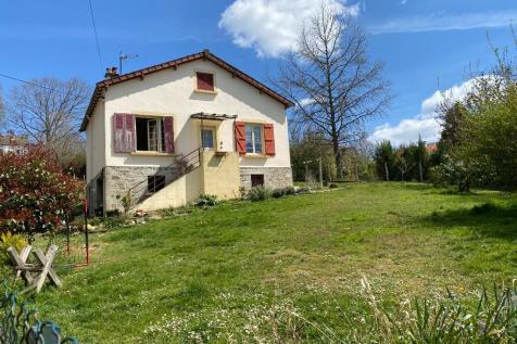 Eymoutiers, Haute-Vienne, Limousin. 99000 bedroom detached house for sale
