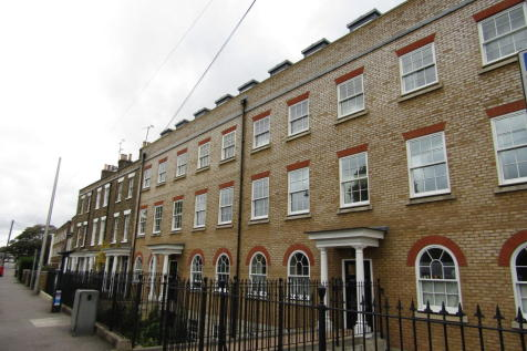 The Heights, New Road, Rochester. 2 bedroom apartment