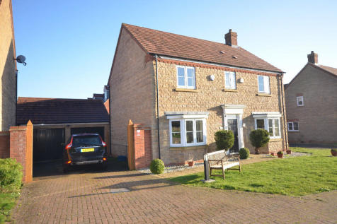Oxley Park. 4 bedroom detached house