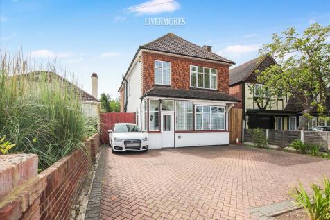 Swaisland Road, Dartford, Kent. 4 bedroom detached house