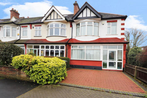 Hawkesfield Road, Forest Hill. 3 bedroom end of terrace house for sale