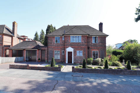 South View, Bromley. 4 bedroom detached house for sale
