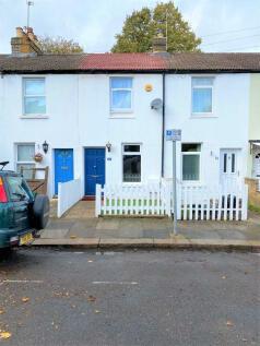 Plaistow Grove, Bromley, Kent, BR1. 2 bedroom terraced house