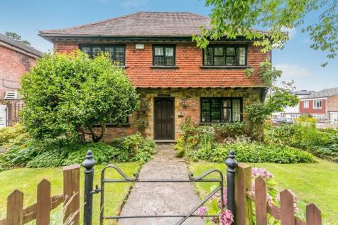Langton Road, Tunbridge Wells, Kent, TN3. 3 bedroom detached house