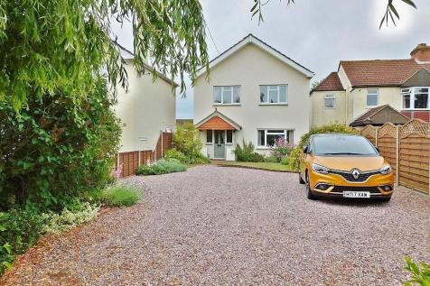 Titchfield Road, Stubbington. 3 bedroom detached house