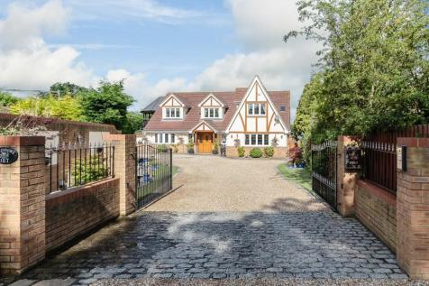 Mountnessing Road, Billericay. 5 bedroom detached house for sale