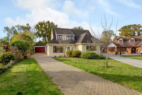 Green Glades, Hornchurch. 3 bedroom detached house for sale