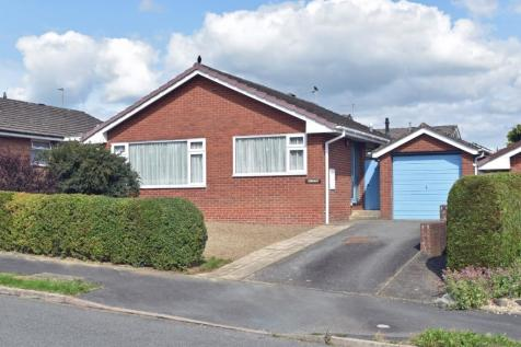 Holcombe Drive, Llandrindod Wells, Powys, Mid Wales, LD1 - Detached Bungalow / 2 bedroom detached bungalow for sale / £150,000