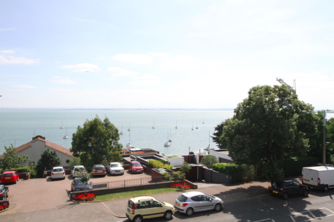 Grand Parade, Leigh-On-Sea. 2 bedroom flat