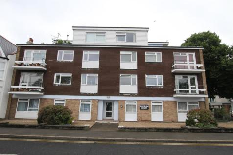 Brayburn Court, 9 Leigh Road, Leigh-On-Sea. 2 bedroom flat