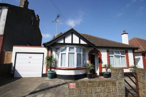 Electric Avenue, Westcliff-On-Sea. 2 bedroom detached bungalow