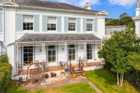 Wellswood Park, Torquay. 5 bedroom villa for sale