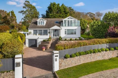 Rock End Avenue, Torquay. 4 bedroom detached house for sale