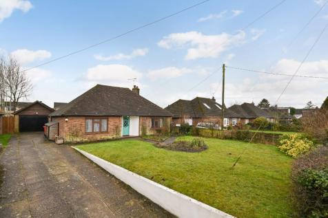 'Hawthorn'Church Road, Ashford, Kent, TN25. 3 bedroom detached bungalow for sale