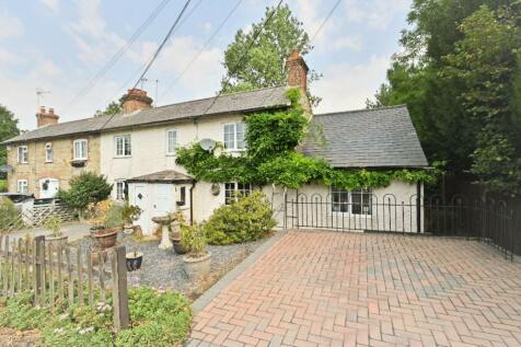 4 Rock Cottage, Main Road, Sellindge Nr Ashford TN25. 3 bedroom cottage