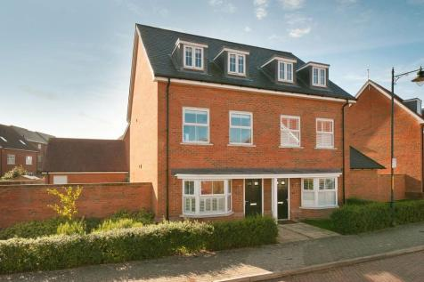 Holly Way, Kings Hill, West Malling. 4 bedroom semi-detached house for sale