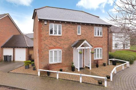 McArthur Drive, Kings Hill, ME19 4GW. 4 bedroom detached house for sale