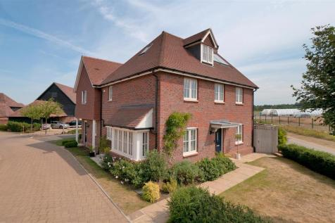 Cyril West Lane, Ditton. 4 bedroom semi-detached house