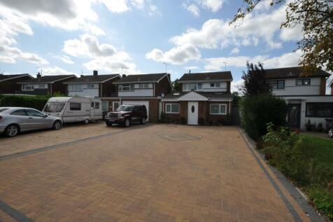 Waveney Drive, Chelmsford, Essex, CM1. 3 bedroom detached house