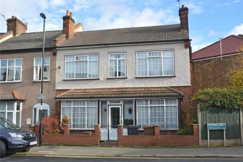 Fernbrook Crescent, Hither Green, London, SE13. 3 bedroom semi-detached house for sale
