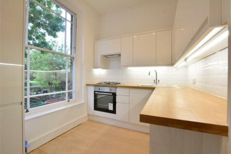 Dacre Park, Lewisham, London, SE13. 2 bedroom apartment