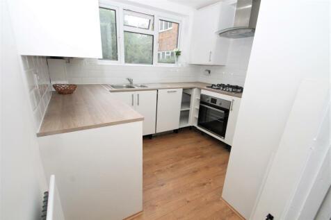 The Angle Roxborough Avenue, Harrow on the Hill, HA1. 2 bedroom flat