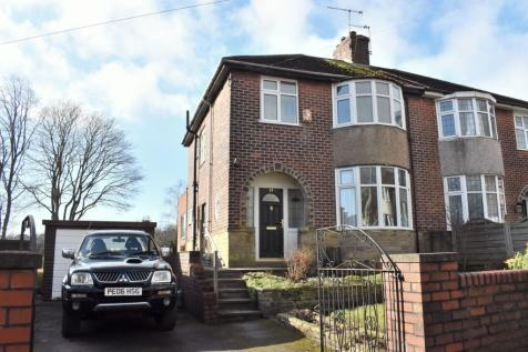 Well Head Drive, Halifax, West Yorkshire, HX1. 3 bedroom semi-detached house