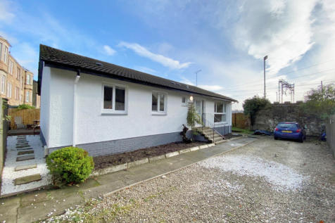 103 Dumbarton Road, Bowling, G60 5AY. 3 bedroom bungalow for sale