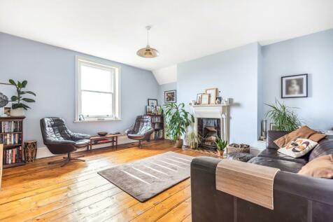Lawrie Park Road, Sydenham, London, SE26. 4 bedroom flat for sale