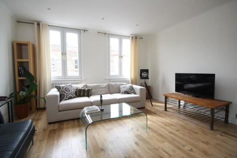 Elm Park, Brixton, Greater London, SW2. 4 bedroom end of terrace house for sale