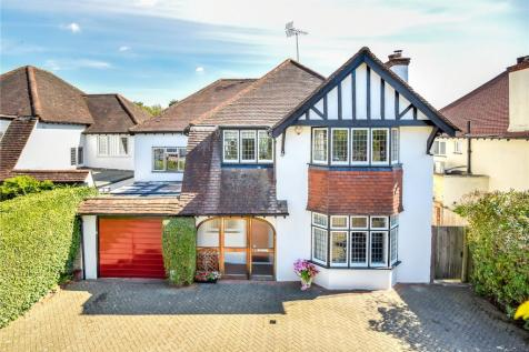 Towers Road, Pinner, Middlesex, HA5. 5 bedroom detached house
