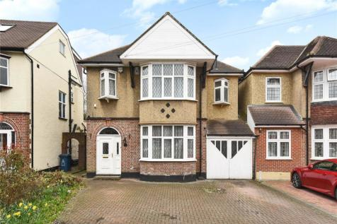 Rayners Lane, Pinner, Middlesex, HA5. 4 bedroom detached house