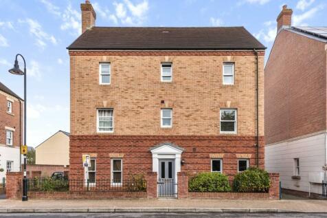 Trecastle Road, Wichelstowe, Swindon, Swindon, Wilts, SN1. 6 bedroom detached house for sale