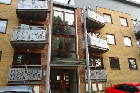 Ravensbourne Place, Mellish Way, Hornchurch, London, RM11. 2 bedroom flat