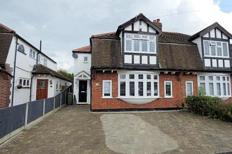Springfield Gardens, Upminster, Essex, RM14. 3 bedroom semi-detached house for sale
