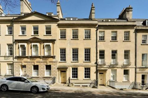 St James Square, Bath. 6 bedroom town house