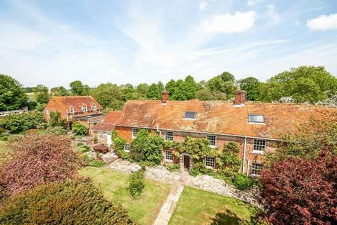Period house, cottage, land , tennis court, swimming pool. 7 bedroom country house for sale
