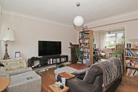 Ashington Court, Sydenham, SE26. 2 bedroom maisonette for sale