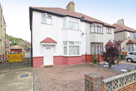 Montcalm Road, Charlton , SE7. 3 bedroom semi-detached house for sale