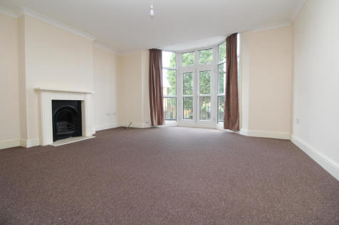 Perry Hill, Catford, SE6. 2 bedroom flat