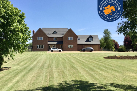 Ferndown, Red House Lane, Hannington, Northampton. 4 bedroom equestrian facility for sale